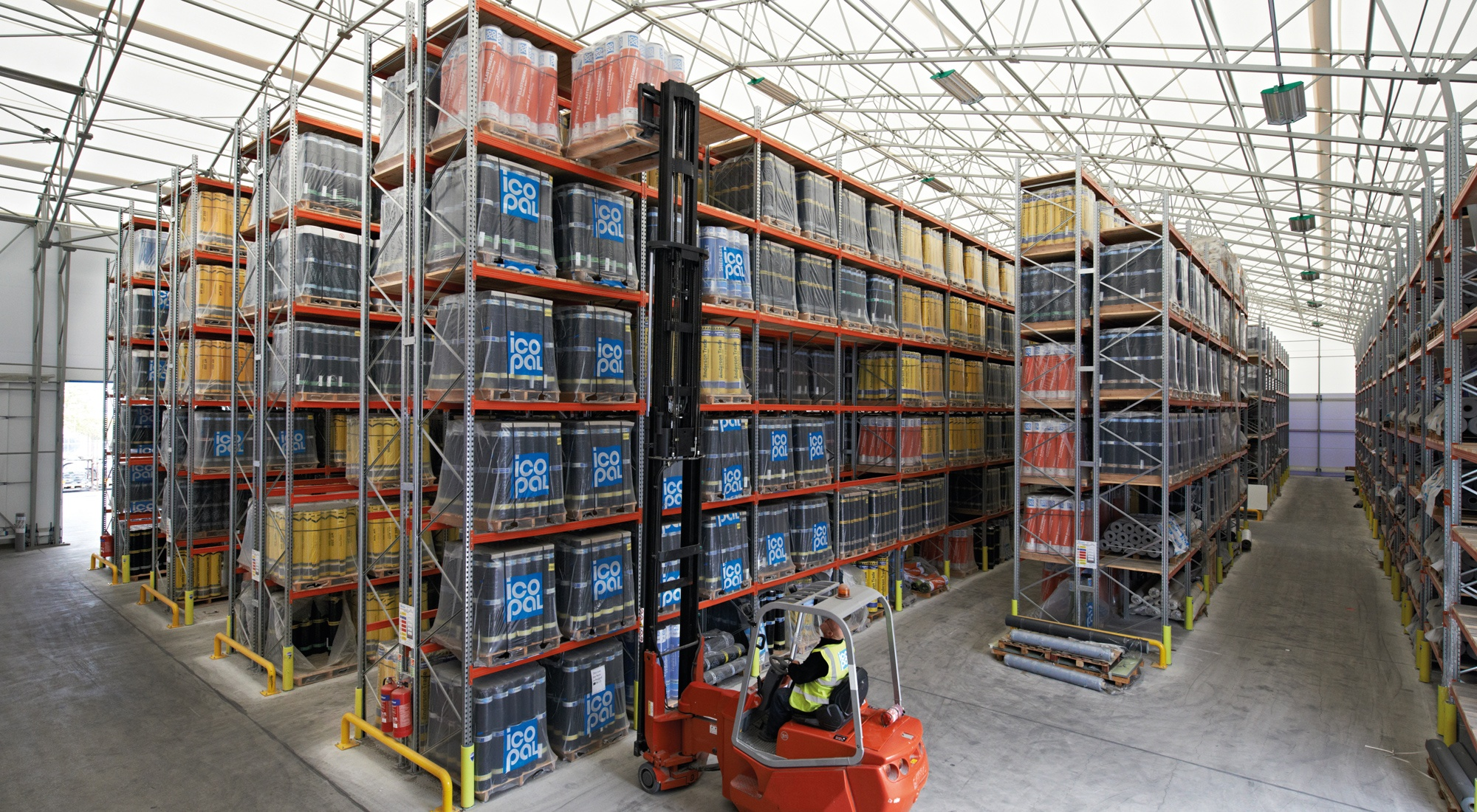 Warehouse_Building_Example_Icopal.jpg